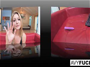 Avy tricks London into a girl-on-girl episode
