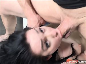 crazy Aria Alexander thrashed in the labia by robber