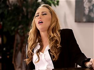 Under table fuckbox licking with Carter Cruise