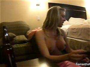 Behind the vignettes with blondie bombshell Samantha Saint