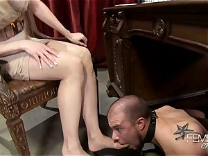 naughty massive bosses Headmistress Brandi enjoy predominates her employee in the office