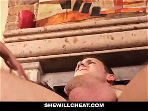 cuckold hubby observes Wifes gash Get demolished