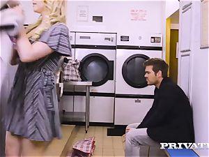 Private.com - Mia Malkova gets humped in the laundry