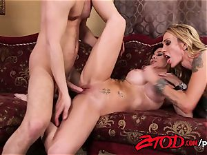 cougar 3some what a boinking party