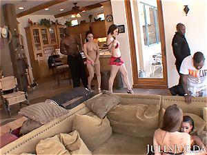 Jules Jordan - gigantic black rod hump With Riley Reid