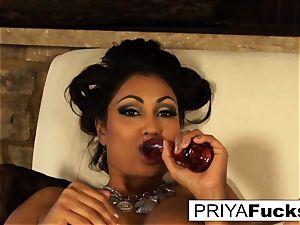 Indian cougar Priya teases then sates her fantastic moist hole