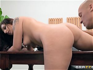 Scarlett Mae deep cooch bashing interview