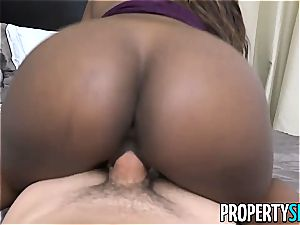ebony estate agent bends over for a thick client