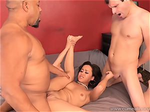Mia Austin Has husband watch as She Gets penetrated