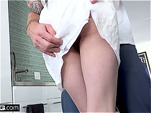 Marley Brinx gets smashed all over the kitchen counter