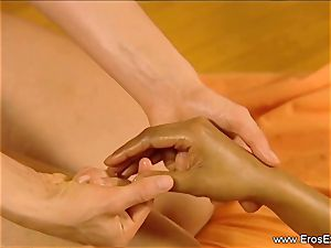 Slow voluptuous massage grope For femmes