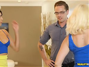 wild real estate agent Sophia Leone slams a clients pecker in her mouth