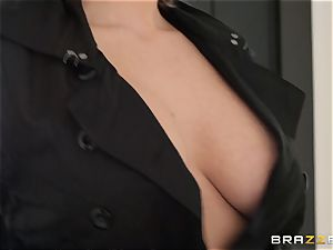 Emily Addison driven in the cunt with thick spear