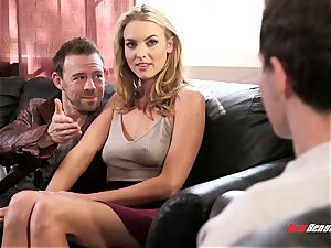 Keira Nicole Is In hotwife instructing