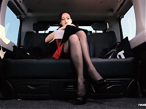 banged IN TRAFFIC - brit Tina Kay penetrated in the car