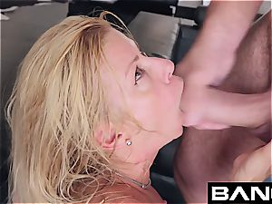 blondie pony luvs getting slapped and boinked