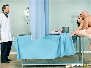 horny nurse Valentina Nappi has her needs