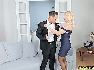 cuckold wifey gets a surprise