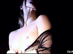 smallish hotty Dani Daniels fingers her tight coochie