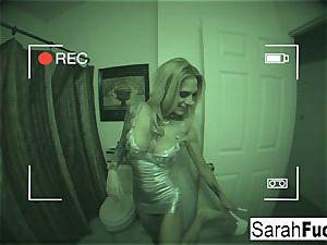 buxom porn industry star Sarah penetrates