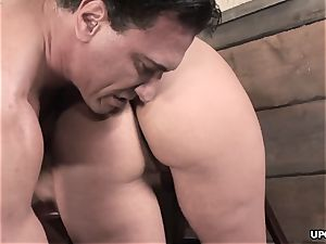 Phoenix doing it all to satiate her stud with her puss