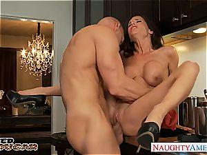 super hot mummy Veronica Avluv gets huge hooters humped